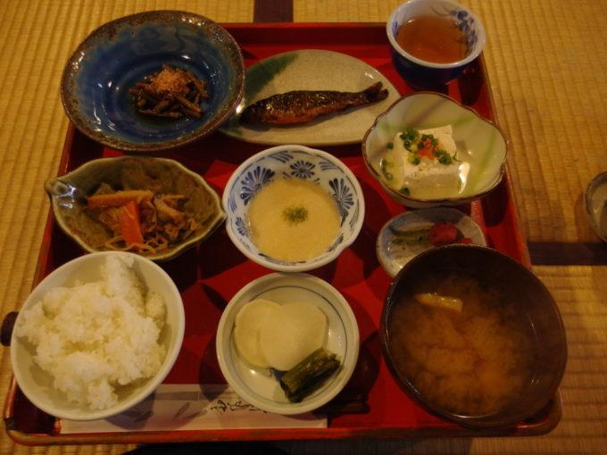 冬の乳頭温泉郷鶴の湯1泊目朝食