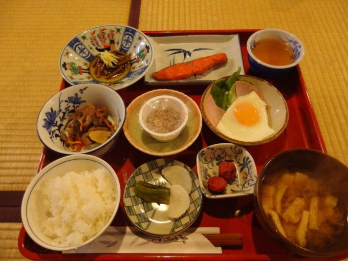 冬の乳頭温泉郷鶴の湯2泊目朝食