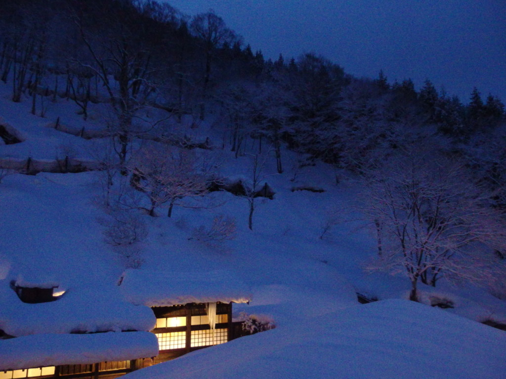 冬の乳頭温泉郷鶴の湯で迎える最後の朝