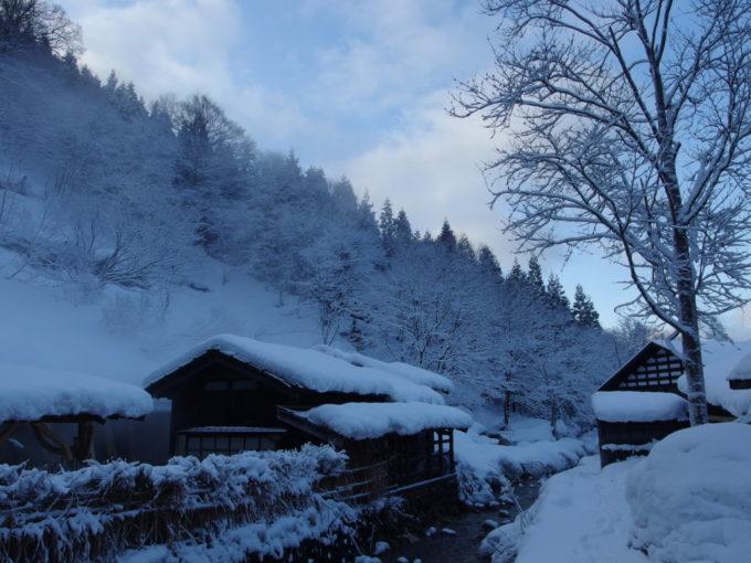 冬の乳頭温泉郷鶴の湯最後の朝風呂を楽しむ