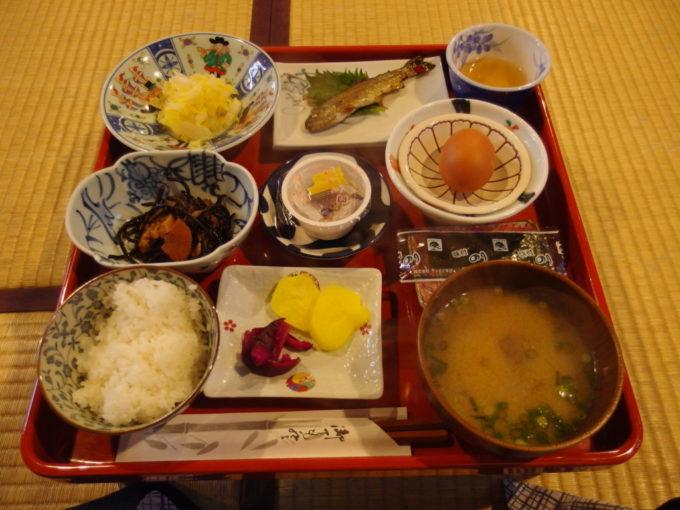 冬の乳頭温泉郷鶴の湯3泊目朝食