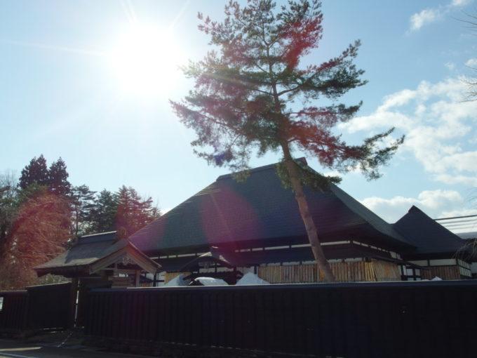 冬の角館往時の姿に復元された公民館小野崎家