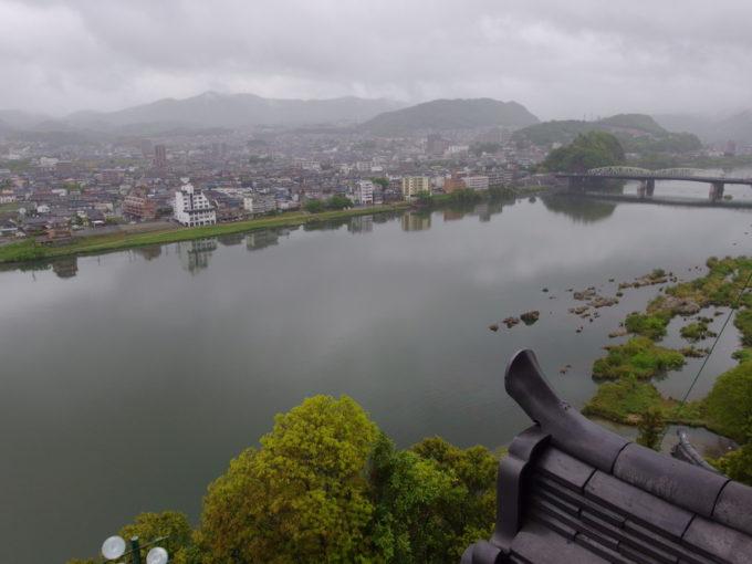 国宝犬山城天守閣から眺める美濃の国