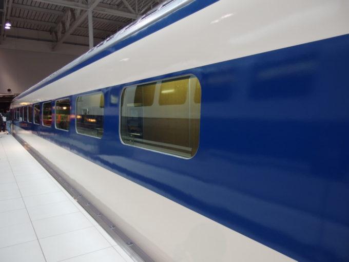 リニア・鉄道館東海道新幹線初代0系の側面