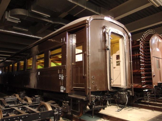 リニア・鉄道館リベットが印象的なオハ35