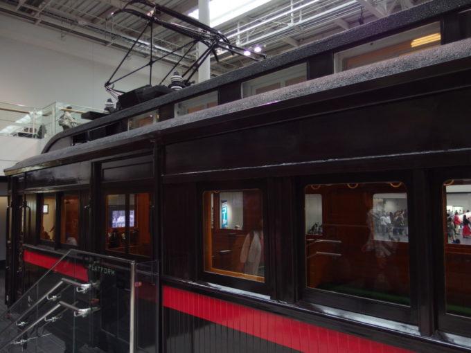 リニア・鉄道館モハ1形ダブルルーフと木製の車体