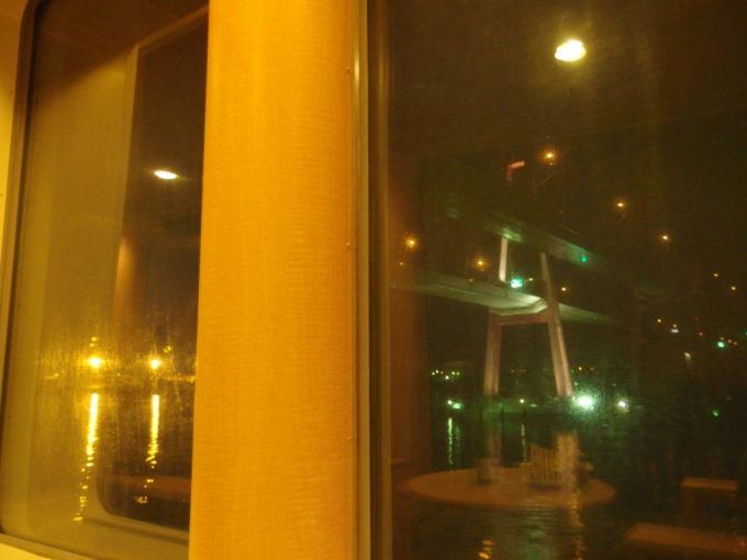 太平洋フェリーきそプロムナードから眺める名港トリトン名港西大橋