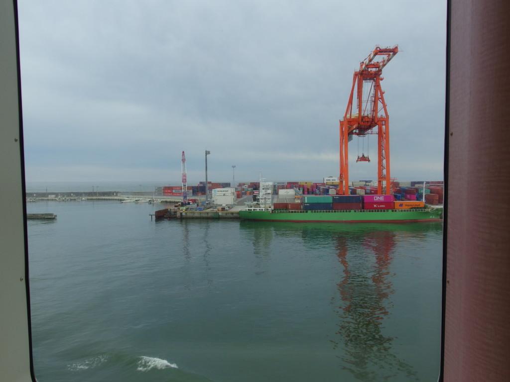 太平洋フェリーきそ名古屋港から21時間以上かけて仙台港へ寄港