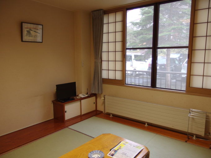 支笏湖畔に佇む一軒宿丸駒温泉旅館山手側和室