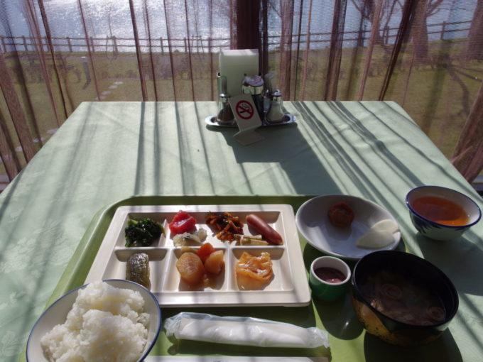 丸駒温泉旅館1泊目朝食