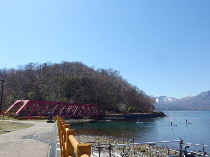 支笏湖畔に架かる王子軽便鉄道山線鉄橋