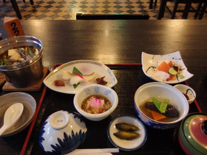 カルルス温泉鈴木旅館夕食