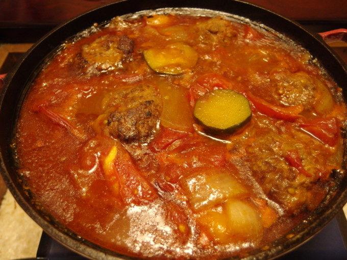 夏野菜のラタトゥイユ風デミハンバーグシチュー