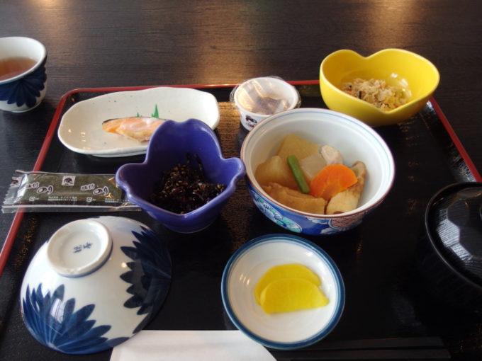 カルルス温泉鈴木旅館朝食