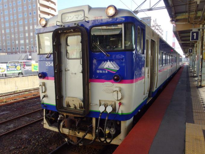 日高本線キハ40鵡川行き普通列車