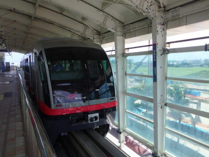 初めて訪れる那覇と初乗車のゆいレール