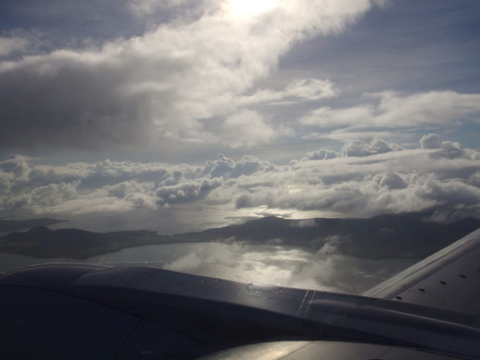 ANAB737南ぬ島石垣空港行き眼下に見えてきた石垣島