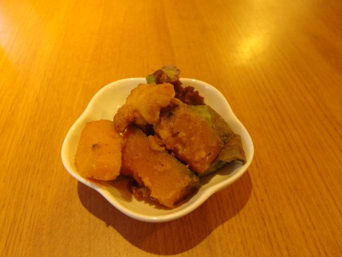 石垣島居酒屋8番地お通しのかぼちゃの煮物