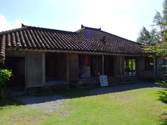 夏の石垣やいま村旧森田邸