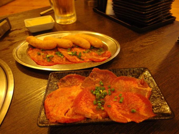 石垣島焼肉ホルモン山ちゃんの部屋牛タン・ツラミ・粗びきウインナー