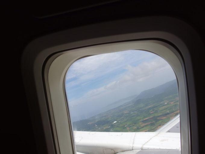 ANA那覇空港行きは南ぬ島石垣空港を離陸