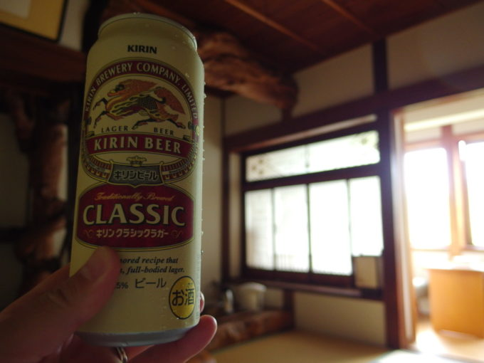 蔦温泉旅館大正時代の建築美を味わいつつ飲む湯上りのビール
