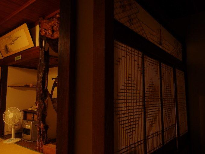 蔦温泉旅館渋い本館客室で過ごす静かな夜