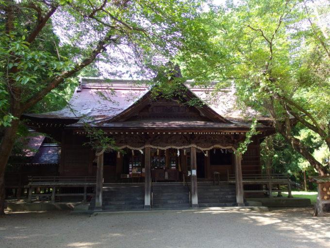 津軽尾上猿賀神社彫刻の素晴らしい拝殿