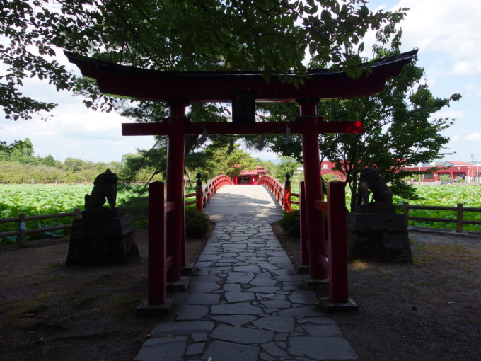 津軽尾上猿賀神社胸肩神社の赤い鳥居
