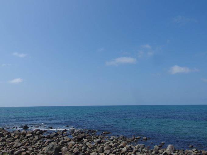 夏の道の駅象潟ねむの丘青い日本海の水平線