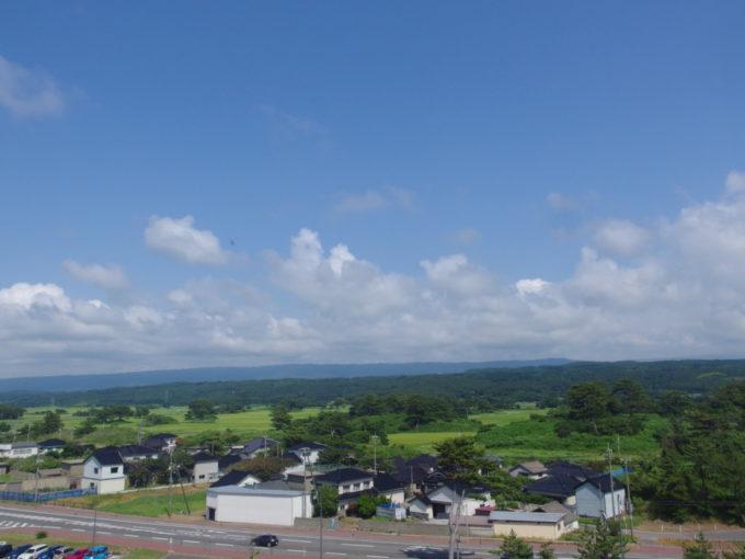 夏の道の駅象潟ねむの丘展望塔から望む九十九島