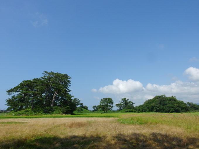 象潟九十九島めぐり蚶満寺旧参道から望む陸の島