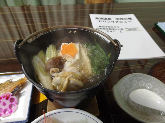 金浦温泉学校の栖夕食海鮮鍋
