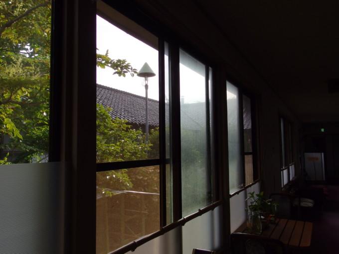 金浦温泉学校の栖中庭