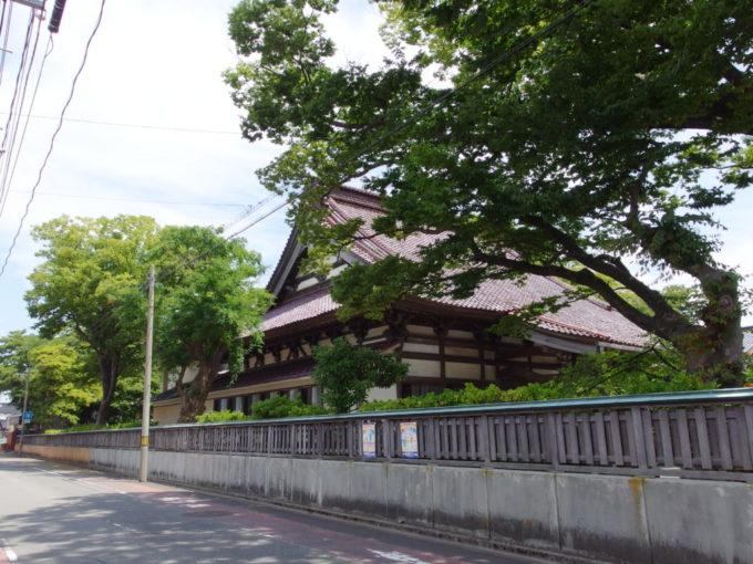 酒田にある大きなお寺