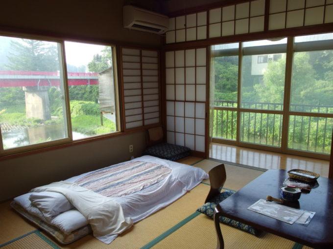 赤倉温泉湯守の宿三之亟角部屋の和室