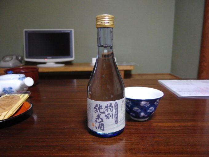 赤倉温泉湯守の宿三之亟夜のお供に清川屋オリジナル鯉川酒造庄内米仕込み特別純米酒