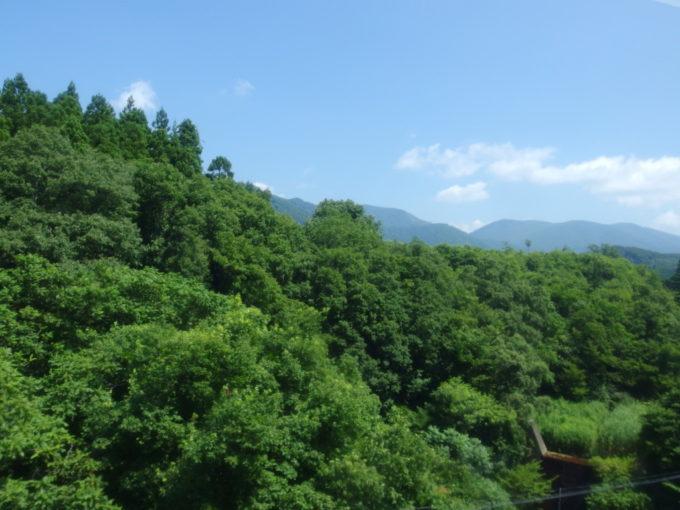 陸羽東線小牛田行き普通列車はまもなく日本の背骨越え