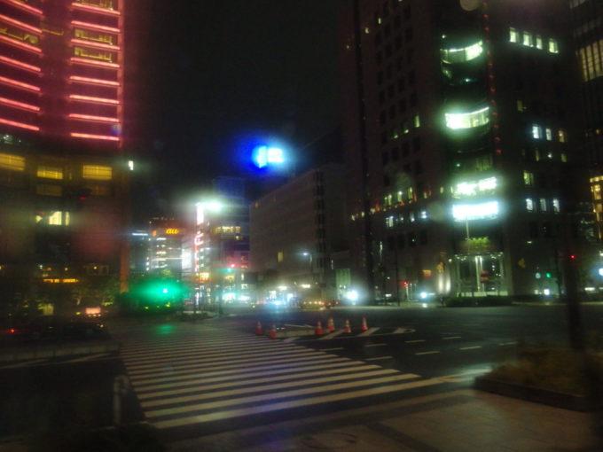 ドリーム盛岡号車窓から覗く東京の夜景