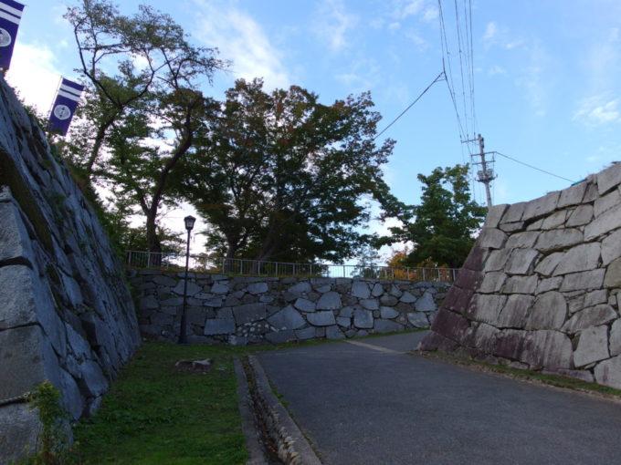 秋の盛岡石垣を抜け岩手公園へ