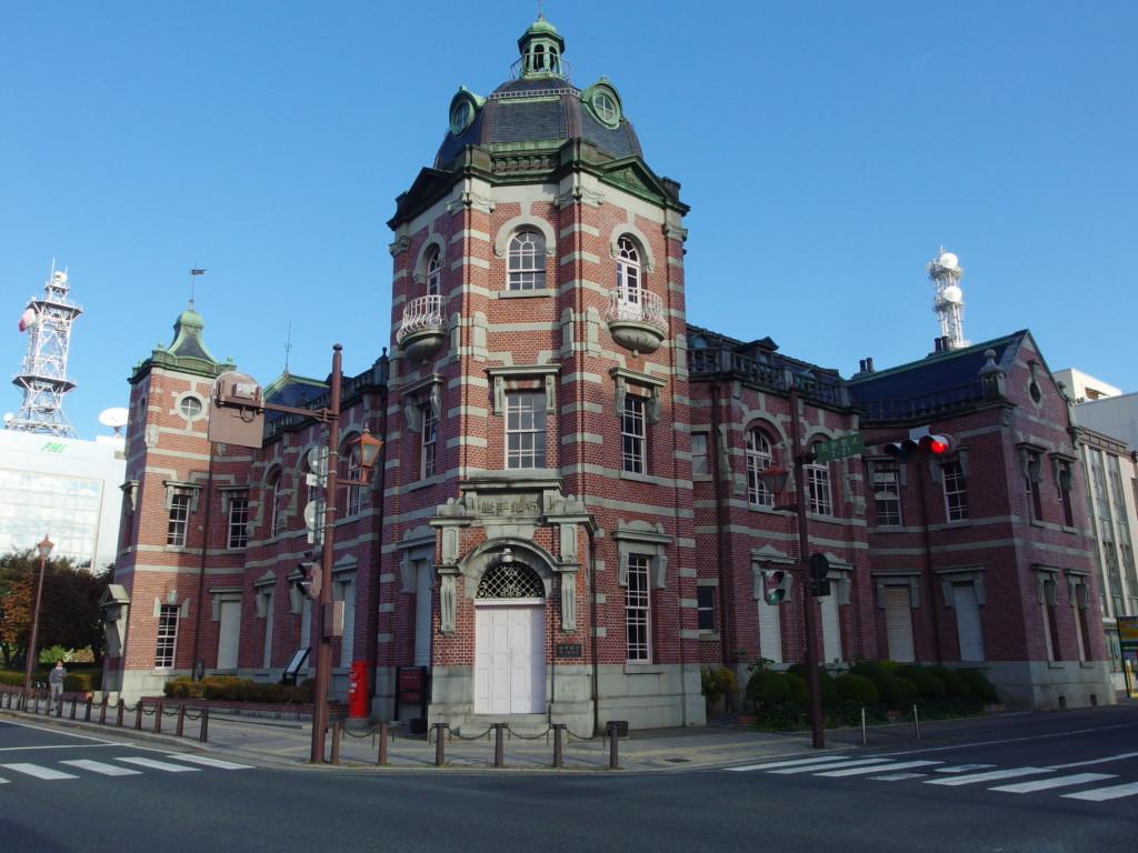 旧盛岡銀行本店岩手銀行赤レンガ館