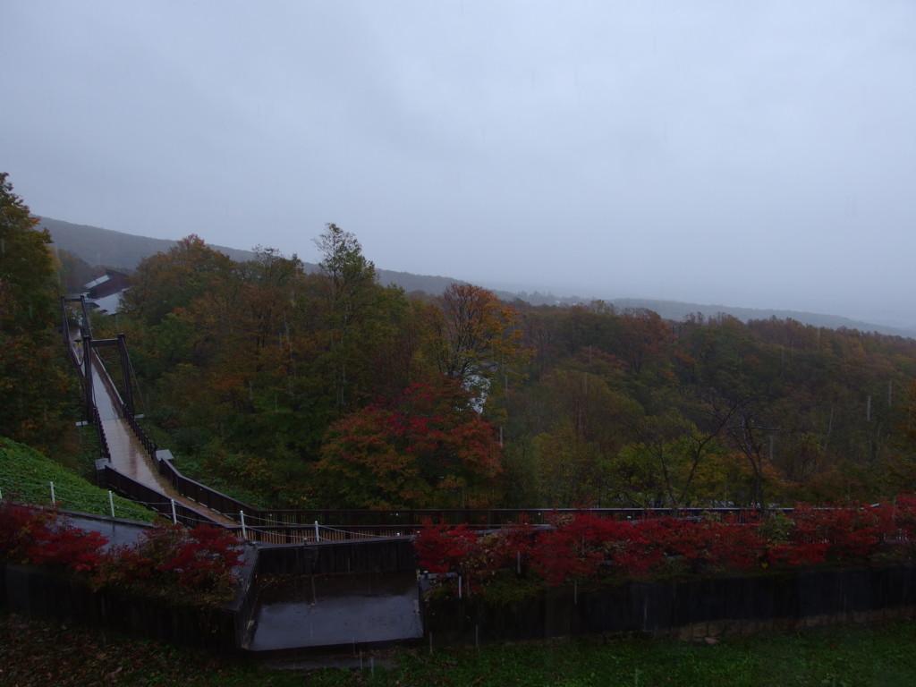 休暇村岩手網張温泉で迎える秋の雨の朝