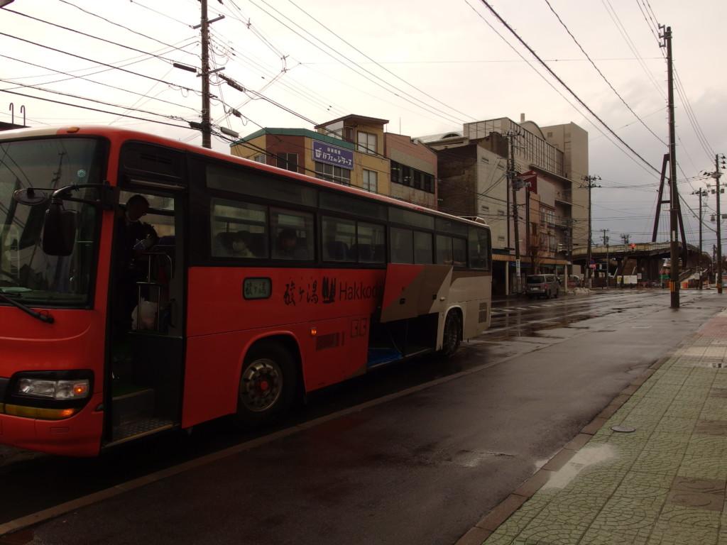 青森駅前アウガ駐車場から酸ヶ湯温泉旅館送迎バスに乗る