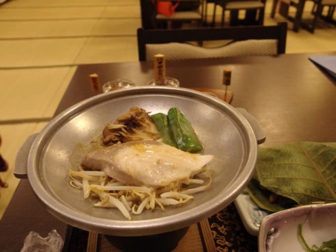 例年より雪の少ない冬の酸ヶ湯温泉旅館1泊目夕食鰤生姜焼き