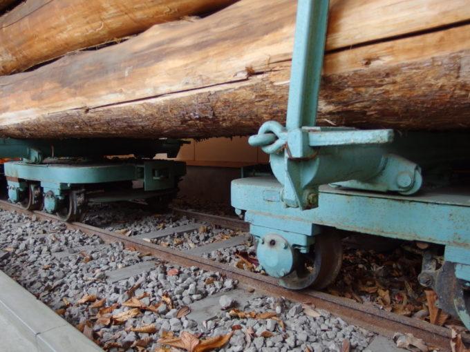 青森市森林博物館保存された林鉄モノコック鋼製運材台車