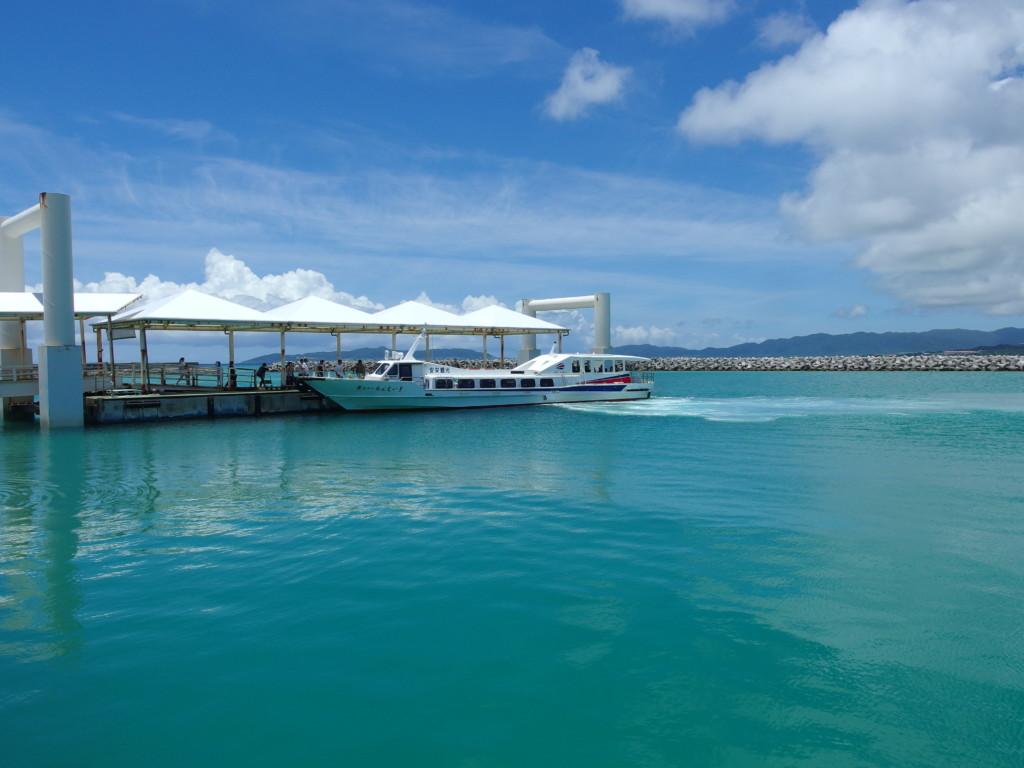 6月下旬人の少ない竹富島安永観光で石垣島に戻る