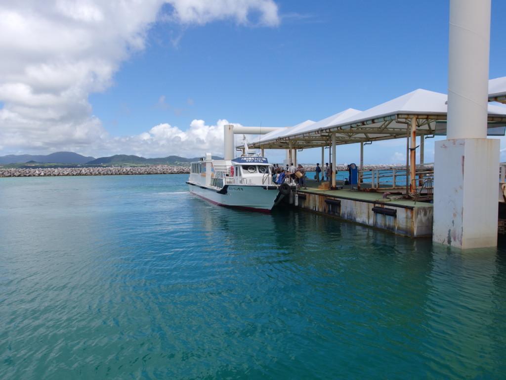 6月下旬人のいない竹富島八重山観光フェリーサザンコーラルで石垣島への帰路に就く