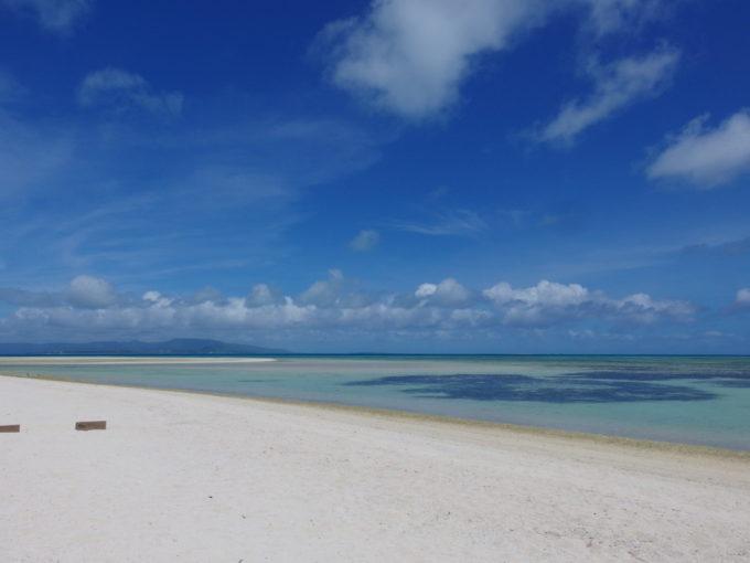 6月下旬人の少ない竹富島どこまでも白くて青いコンドイ浜