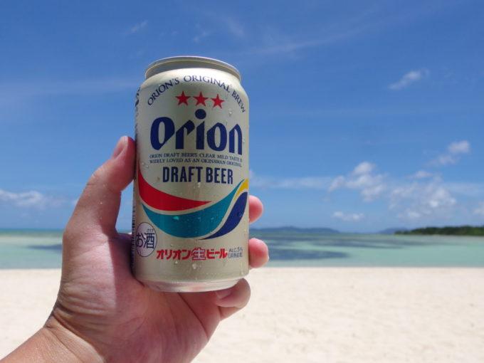 6月下旬人の少ない竹富島灼熱のコンドイビーチで味わうオリオンビール