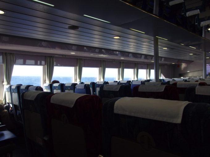 6月下旬乗船客の少ない安永観光ぱいじま2で波照間島へ